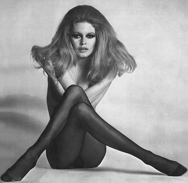 Who does 60 s sex kitten better Bardot or Bundchen